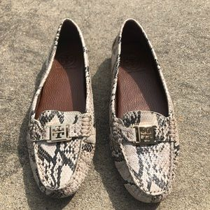 NWOT Tory Burch Snakeskin Loafers